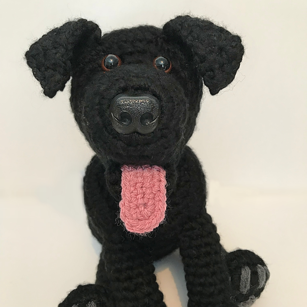 Beautiful Wintry Creations - Holly the Black Labrador